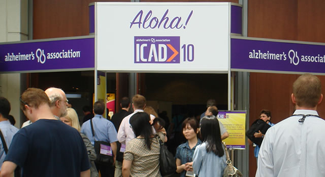 photo of alz-icad-2010-sign-delegates