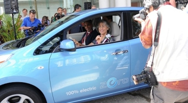 Governor Linda Lingle in the Nissan Leaf electric car